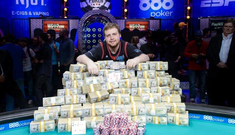 Tips Bermain Taruhan Poker Online Uang Asli
